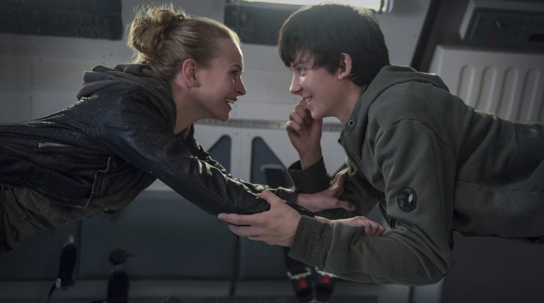 BRITT ROBERTSON and ASA BUTTERFIELD star in THE SPACE BETWEEN US