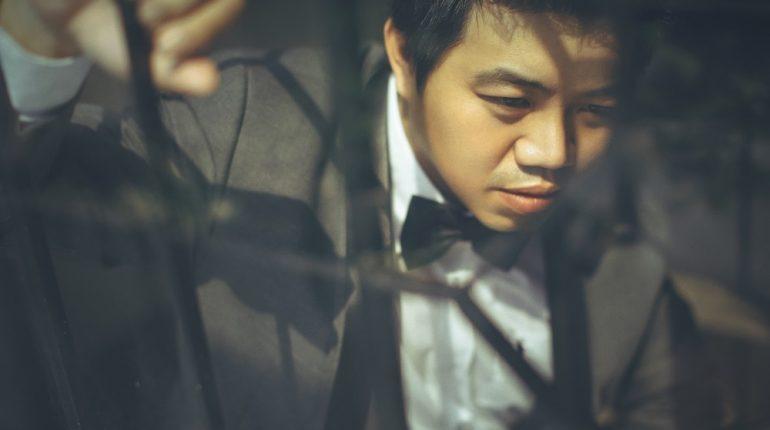 hit-maker-tran-tuan-anh-tung-album-nhac-tinh-dau-tay-sau-nhieu-nam-tam-ngung-ca-hat-33014